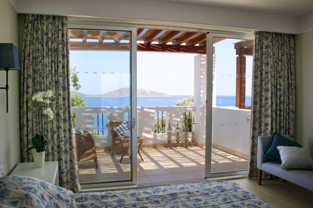 ONE BEDROOM BUNGALOW SUITE SEA VIEW