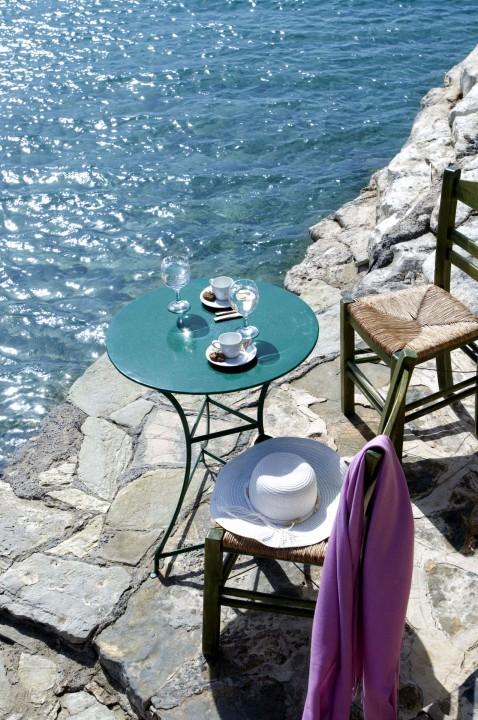 AQUILA ELOUNDA VILLAGE – COFFEE BY THE BEACH