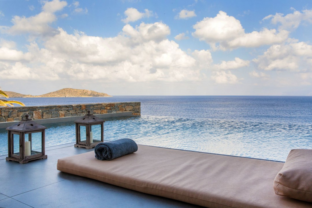 AQUILA ELOUNDA VILLAGE – DEEP BLUE DELUXE WATERFRONT BUNGALOW PRIVATE POOL
