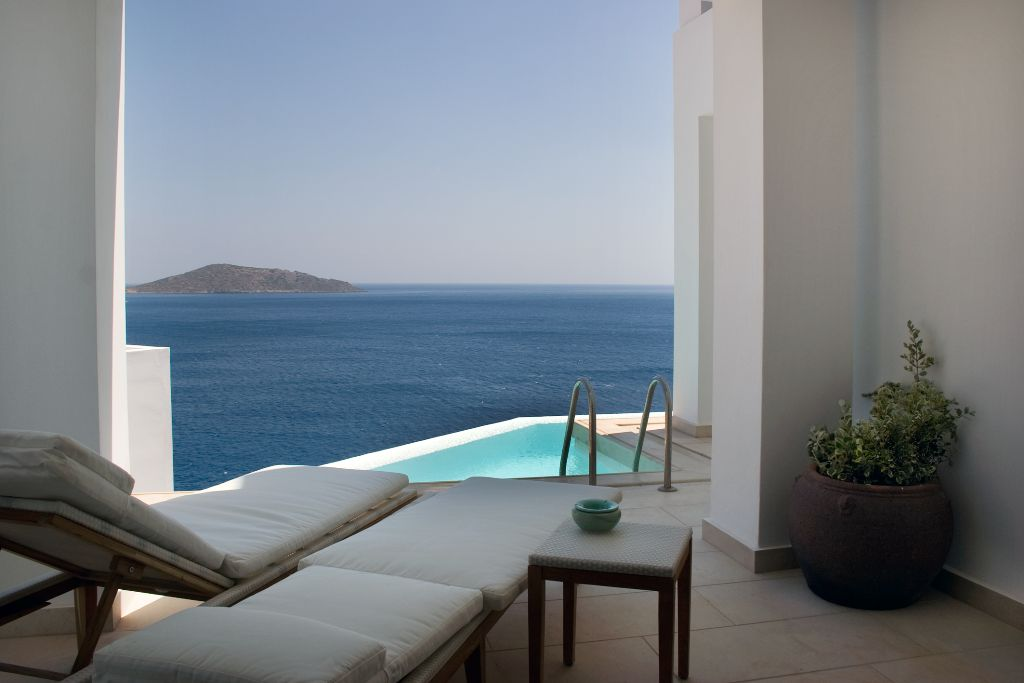 AQUILA ELOUNDA VILLAGE – SUPERIOR BUNGALOW SHARING POOL SEA VIEW